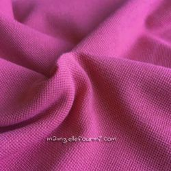 Maille polo rose vif