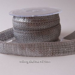 Galon à sequins gris métal
