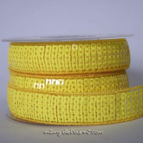 Galon à sequins fluo jaune