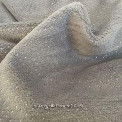 Fourrure doudou pois argent grise